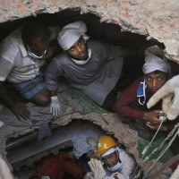 130430-bangladesh-building-collapse-07
