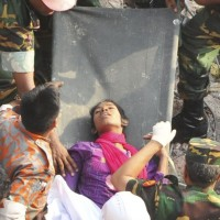 130510-bangladesh-building-collapse-19-survivor-07