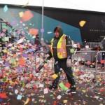 Lễ hội đón Giao thừa 2015 ở Times Square xả rác quá cỡ thợ mộc